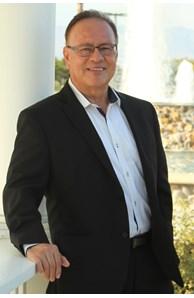 Fernie Campos