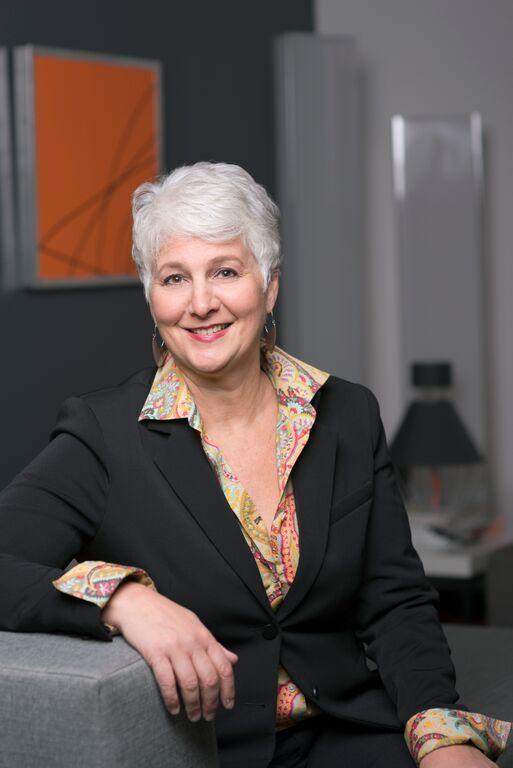 Sandy Thometz Real Estate Agent Minneapolis MN
