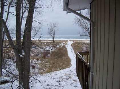 1642 Lakeshore Dr - Photo 1