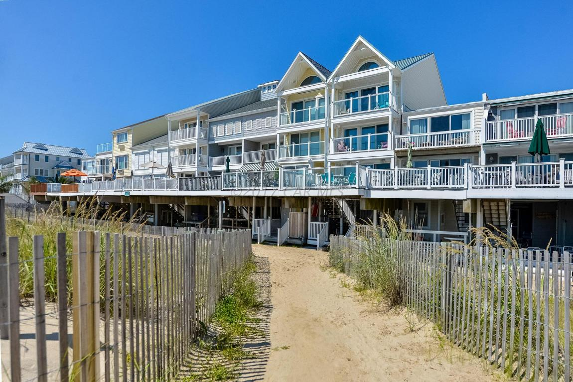 Condo / Townhouse for Sale at White Sands Village I, 14418 Wight St Ocean City, Maryland 21842 United States