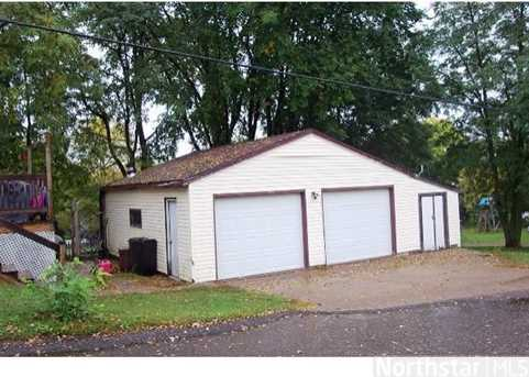 209 2Nd Ave W - Photo 3