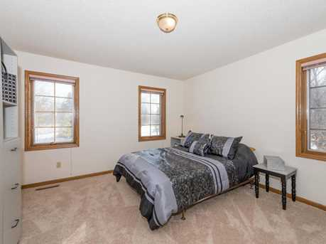 15720 Nursery Dr - Photo 11
