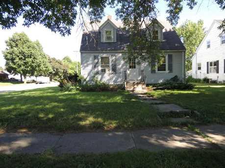 312 Carleton Avenue - Photo 1