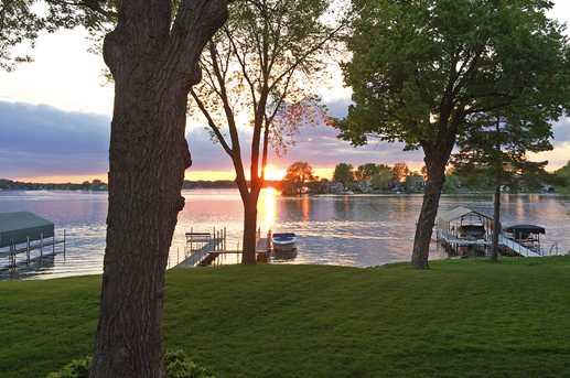 3890 Sunset Drive - Photo 3