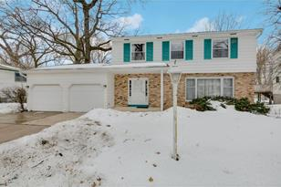 7133 Courtly Road - Photo 1