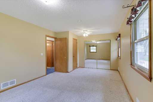 8306 Lakewood Drive NE - Photo 11