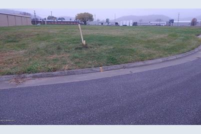 1105 Miller Circle - Photo 1