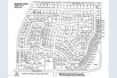 1879 White Oak Lane NE - Photo 1