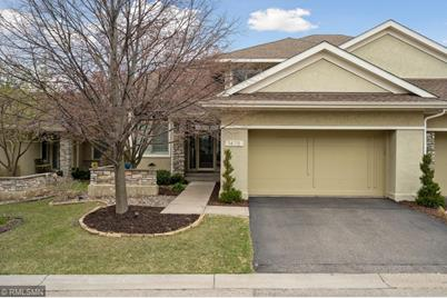 1475 Waterford Drive - Photo 1