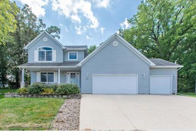 486 Forbrook Lane NW, Rochester, MN 55901