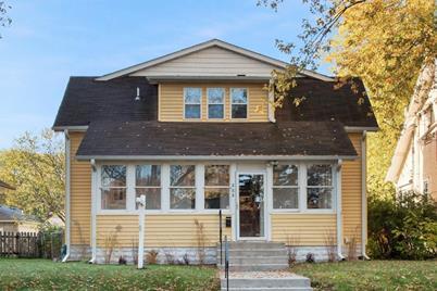 888 Cottage Avenue E - Photo 1