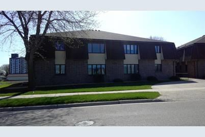 809 Maplehill Drive #5A - Photo 1