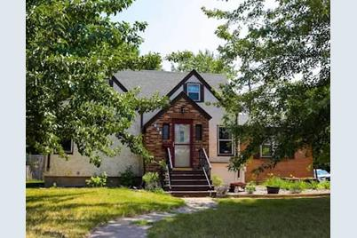 638 Dellwood Street S - Photo 1