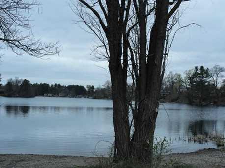 65 Lake Dr - Photo 2