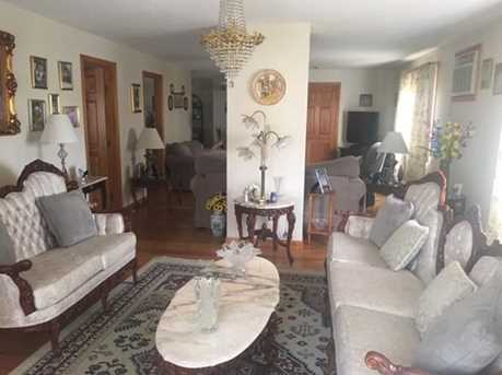 941 Middle St - Photo 3