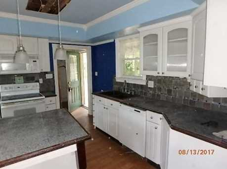 174 Lowell Ave - Photo 5