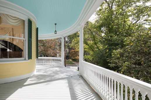 64 Russell Avenue - Photo 13