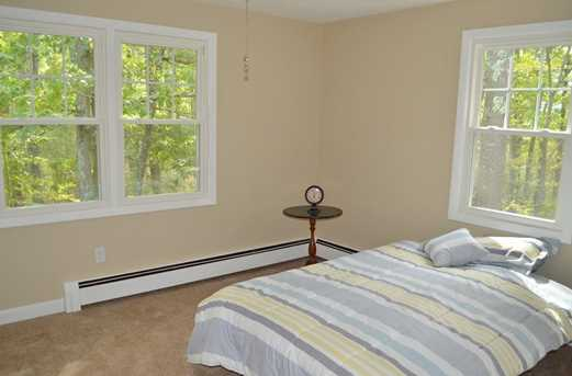 64 Howland Rd - Photo 17
