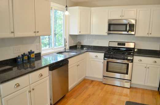 64 Howland Rd - Photo 7