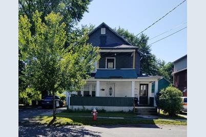 Phenomenal 46 48 Allen St West Springfield Ma 01089 Home Interior And Landscaping Oversignezvosmurscom