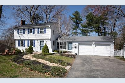 11 Colonial Rd - Photo 1