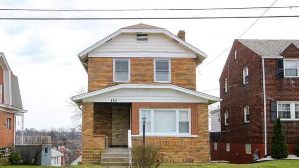 604 Crysler Street - Photo 1