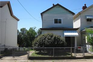 805 Railroad St - Photo 1