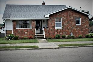 211 Orchard Ave - Photo 1