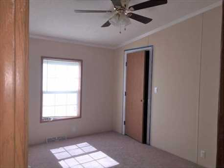 202 Willow Dr - Photo 13