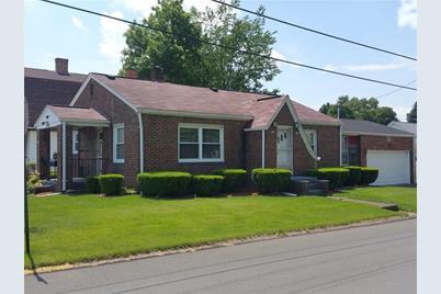 838 Jackson Ave - Photo 1