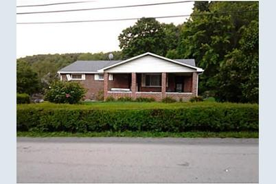 526 Newport Dr Hempfield Township PA 15601