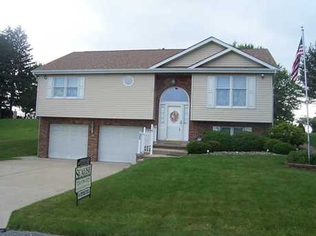 1060 Lakeview Dr - Photo 1