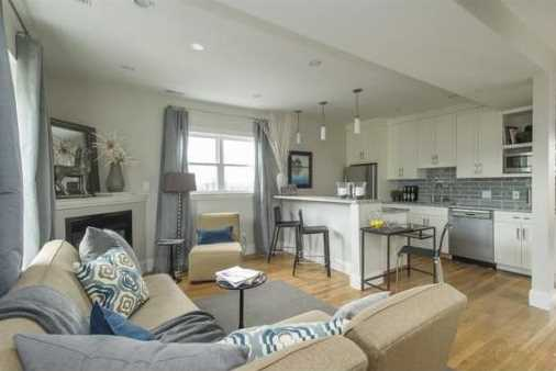 37 Gates St #3 - Photo 1