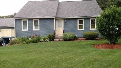 25 Carrier Ave - Photo 1