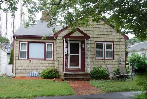 11 Colonial Ave - Photo 1