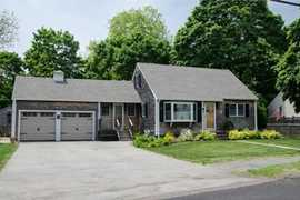 390 maple st danvers ma 01923 mls 72090091 coldwell