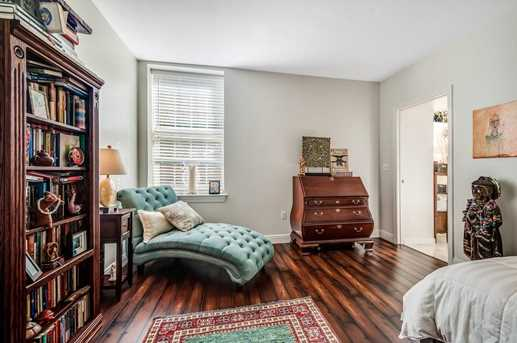 17 Central St #3 - Photo 13