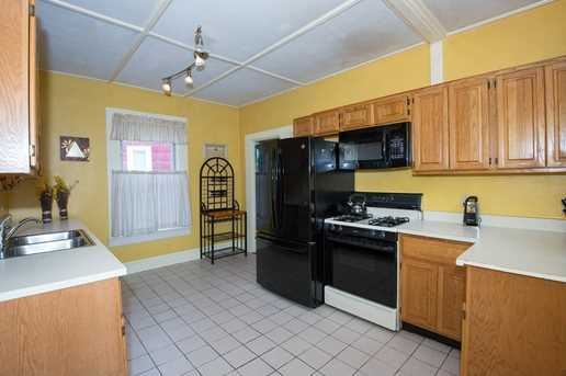 98 Lakeview Avenue - Photo 5
