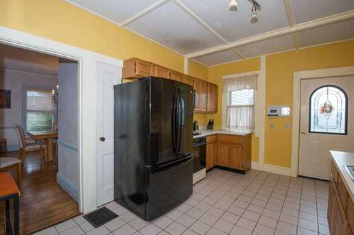 98 Lakeview Avenue - Photo 7