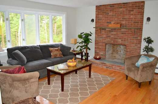 64 Howland Rd - Photo 3