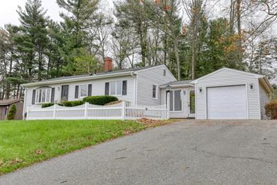 Pleasant 76 Day Ave East Longmeadow Ma 01028 Home Interior And Landscaping Palasignezvosmurscom