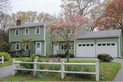 55 Strawberry Ln, Scituate, MA 02066