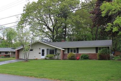 64 Karen Rd, Framingham, MA 01701