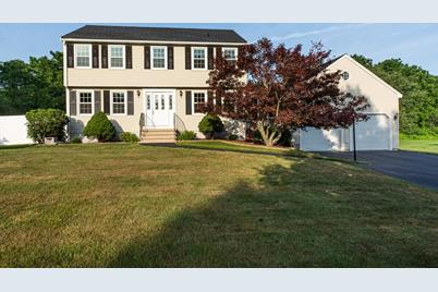 35 Blackberry Fields Road, Dracut, MA 01826