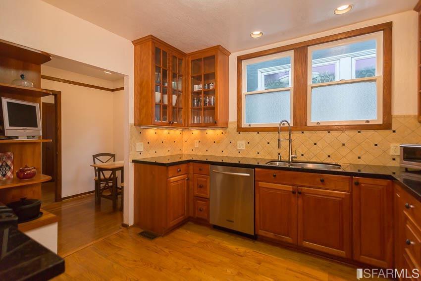 Additional photo for property listing at 1031 Portola Drive  SAN FRANCISCO, CALIFORNIA 94127