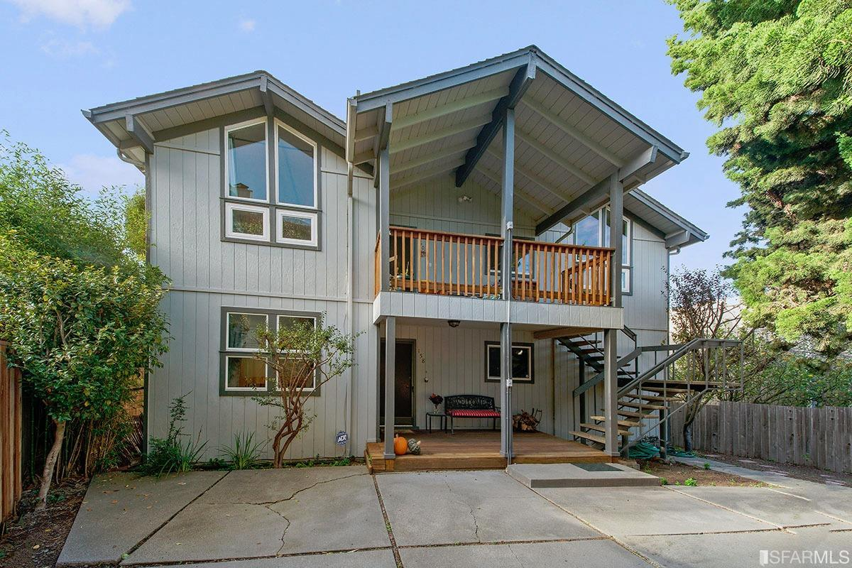 Additional photo for property listing at 158-160 Buchanan Court  SAUSALITO, CALIFORNIA 94965