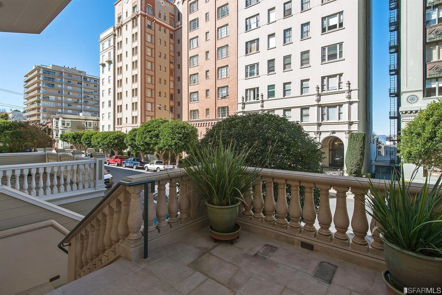 Additional photo for property listing at 1915 Vallejo Street  SAN FRANCISCO, CALIFORNIA 94123