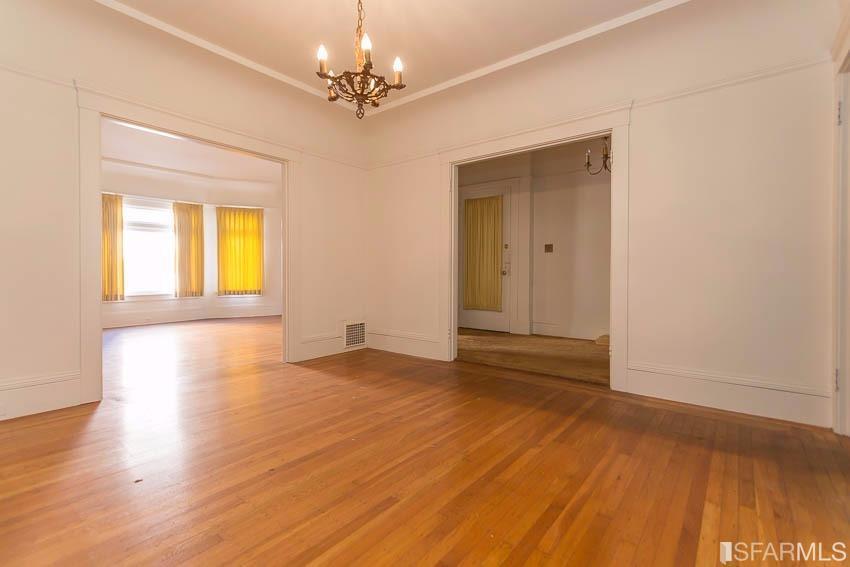 Additional photo for property listing at 809-811 Judah Street  SAN FRANCISCO, CALIFORNIA 94122