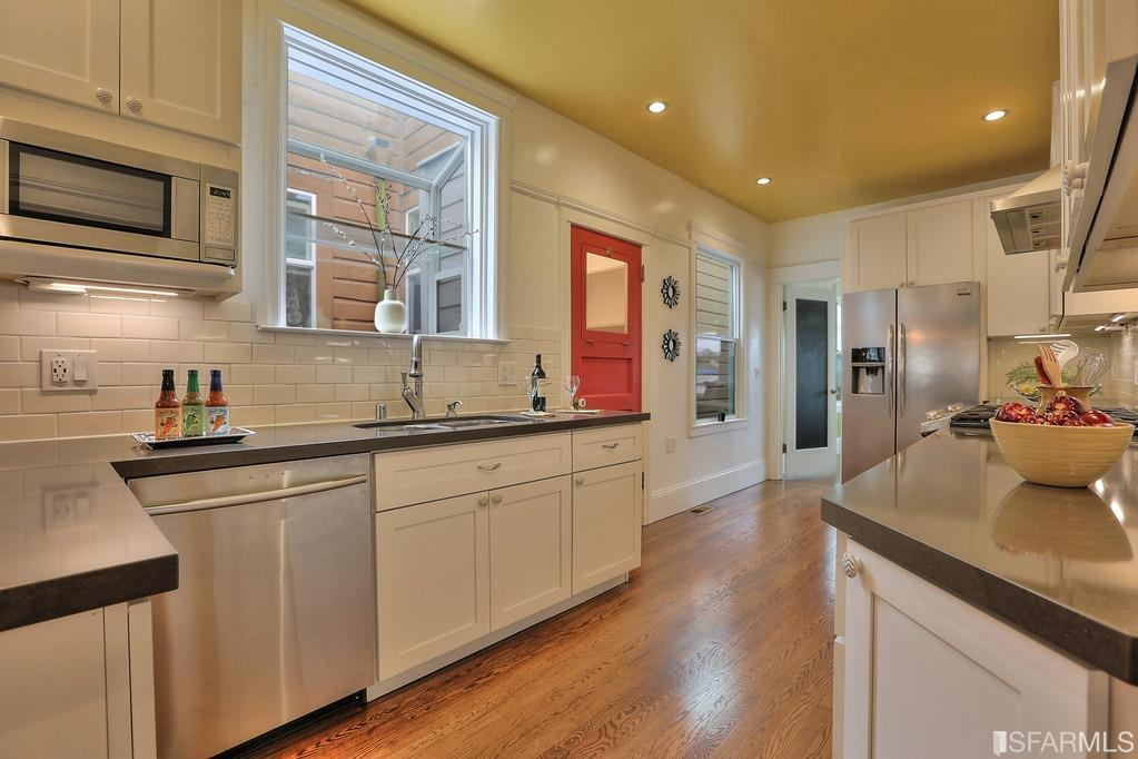 Additional photo for property listing at 2331 18th Avenue  SAN FRANCISCO, CALIFORNIA 94116