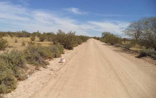 000 E Desert Hills Road - Photo 3